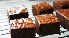 Negresa lipicioasa cu ciocolata Cream Cake, Fudge, Caramel, Cheesecake, Sweet, Desserts, Sweets, Custard Cake, Sticky Toffee