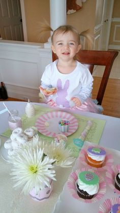Easter Cookie Decorating Party + Free Printables | Hoopla Events | Krista O'Byrne