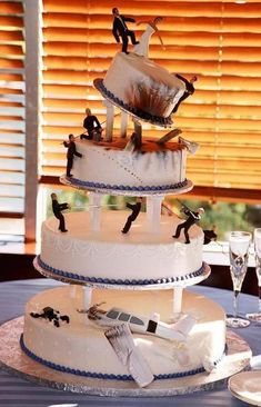 primmeiro bolo de zumbi realmente legal que eu já vi!!! Connseguiu ser lindoooo alem de cool haha