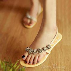 Gorgeous Fashion Cowhide Upper Flat Heels Women Sandals #flats #shoesbar