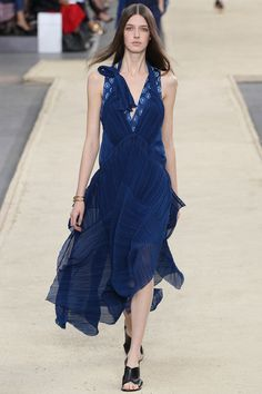 Chloé Spring 2014 Ready-to-Wear Collection Slideshow on Style.com #fashionweek