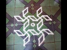 Simple lotus rangoli designs with dots // Lotus kolam Rangoli Patterns, Small Rangoli Design, Rangoli Ideas, Rangoli Kolam Designs, Rangoli Designs With Dots, Kolam Rangoli, Rangoli With Dots, Beautiful Rangoli Designs, Lotus Rangoli