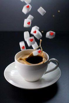 un bon Café! Et bon week-end 😘 Coffee Heart, I Love Coffee, Best Coffee, Coffee Shop, Coffee Cups, Coffee Coffee, Coffee Lovers, Good Morning Coffee, Coffee Break