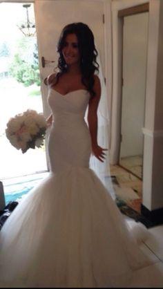Monique l'huillier forever wedding dress. Real brides.