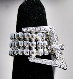 Silver buckle stretch ring! new!