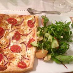 Vegan tart w onions, tofu feta and tomatoes + salad. Sooo yummy