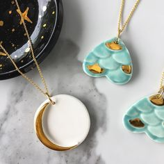 """1,685 curtidas, 40 comentários - Modern Mud by Naomi Singer (@modernmud_ceramics) no Instagram: """"I loved making this crescent moon necklace! Making jewelry out of clay is so satisfying, it's kind…"""""""