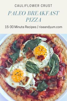 Super simple Paleo Breakfast Pizza, made with pre-made Cauliflower pizza crust! #paleo #paleorecipes #paleobreakfast #healthybreakfast #brunch