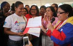 VENEZUELA: Gobierno ha invertido más de Bs. 300 millones en el programa Soy Mujer EntornoInteligente ... Soy Mujer, el cual tiene como objetivo impulsar el emprendimiento de la mujer venezolana bajo el esquema de la Agenda Económica Bolivariana.