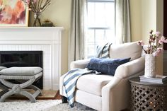 This design duo,Diane Schmunk + Emily Barry, ofRehabitatwanted to create a living room retreat that was classic yet still had a fresh, on trend feel.The result is this gem that has moments of glam layered with cozy conversation spots, a palette of neutrals +little dosesof pink and all finished off with those final touches that […]