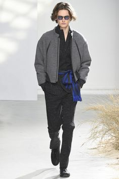 See the complete Issey Miyake Fall 2016 Menswear collection.