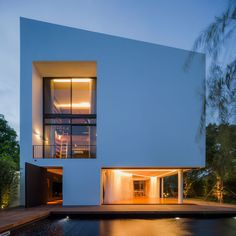 Modern White House with Integrated Angles and Corners via Design Milk
