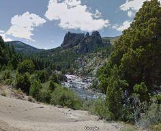 Cajon del Caleufu, entre Confluencia y Villa Lago Meliquina a un paso de la Ruta 40, Neuquen, Patagonia.