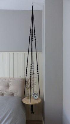 Hangende tafel Zwart No. Diy Para A Casa, Diy Casa, Diy Hanging Shelves, Hanging Table, Diy Furniture Projects, Diy Projects, House Plants Decor, Creation Deco, Macrame Plant Hangers