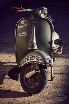 Vespa 150S Classic Motorbike - #rollerausblech #vespa