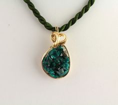 Dioptase Pendant. Listing 259422391 by Ptcreationsjewelry on Etsy