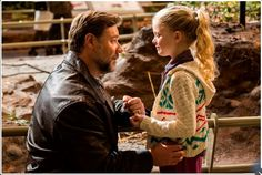 Film Still Fathers  Daughters Release 2015 Russell Crowe
