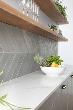 Chevron Gris, Chevron Tile, Black Kitchens, Home Kitchens, The Block Kitchen, Kitchen Splashback Tiles, Large Kitchen Backsplash, Grey Kitchen Tiles, Kitchen Soffit