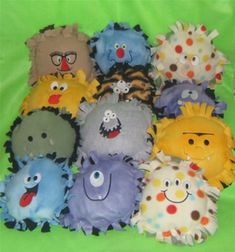 Monster Pillows Fleece Crafts, Fleece Projects, Fabric Crafts, Sewing Crafts, Sewing Projects, Craft Projects, No Sew Crafts, Sewing Ideas, Vbs Crafts