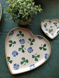 Our delightful heart plates in Clover.