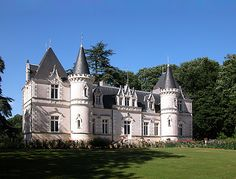 La Charentais in Loire Valley, Nouzilly, France Vatican Rome, French Castles, Castle House, Grand Homes, French Chateau, Romantic Homes, France, Old Houses, Manor Homes
