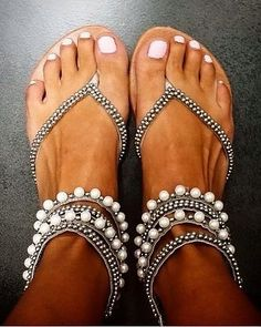 Sandals Summer For a tropical location or beach wedding Shoespie Beading Rhinestone Thong Flat Sandals - There is nothing more comfortable and cool to wear on your feet during the heat season than some flat sandals. Cute Shoes, Women's Shoes, Me Too Shoes, Shoe Boots, Dress Shoes, Golf Shoes, Dress Sandals, Shoes Flats Sandals, Ankle Boots