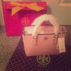 tory burch robinson mini pink. NWT. Authentic. Go with gift box and shipping bag. Awesome color. Get it from Tory burch store. No trade plz. Tory Burch Bags Crossbody Bags