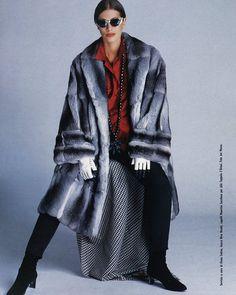 Chinchilla 💙💙 #fur #furcoat #realfur #chinchillafur #chinchillafurcoat #chinchilla #model #supermodel #girl #lady #beautiful #look #catwalk #runway #fashionweek #l4l #likeforlike #throwback #vogue #stylishgirl #fashionweek #milan #pels #mex