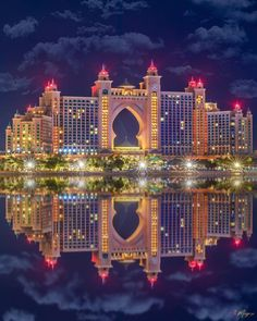 Photo by Dubai Travel Destinations Photography Honeymoon Backpack Backpacking Vacation Middle East Budget Bucket List Wanderlust Dubai City, Palmeninsel Dubai, Dubai Burj Khalifa, Visit Dubai, Dubai Mall, Abaya Dubai, Dubai Vacation, Dubai Travel, Dubai Wallpaper