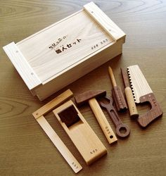 Small wooden kid toy set