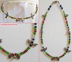 Collana di perline trasparenti lucide di diversi colori con fiori e libellule color argento. Filo in acciaio rivestito in nylon. Chiusura a vite. www.borsebijouxmacrame.com