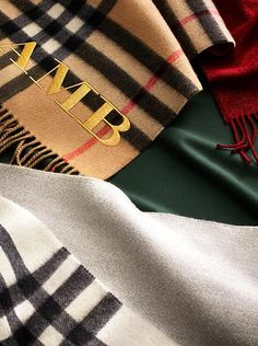 Discover our selection of Burberry cashmere scarves, from seasonal prints to classic check. Add a complimentary monogram to personalise your scarf.