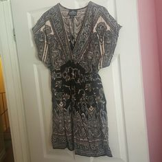☆Sale☆ Super cute dress 100% rayon dress, smoke free home, can be worn casual or dressy! Angie Dresses