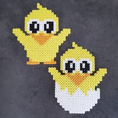 Første perleprojekt - søde påskekyllinger Nu skal jeg lige øve mig lidt i at stryge dem ordentlig #anjatakacs Perler Patterns, Pearler Beads, Plastic Canvas Patterns, Cross Stitching, Beading Patterns, Pixel Art, Diy And Crafts, Projects To Try, Valentines