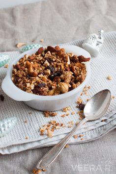 Granola on terveellinen ja herkullinen aamiainen. Itse tehdyssä granola on sokeritonta.