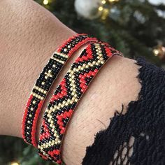 Today's armcandy ❤️ Sneakpeak of our new miyuki 2018 collection. Today's armcandy ❤️ Sneakpeak of our new miyuki 2018 collection. Loom Bracelet Patterns, Bead Loom Patterns, Jewelry Patterns, Beading Patterns, Beading Ideas, Beaded Braclets, Bead Loom Bracelets, Beaded Jewelry, Bead Loom Designs