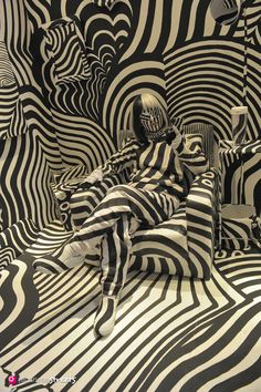 Rooms Feb 2016 Shigeki Matsuyama is a Japanese artist who uses WWI dazzle camouflage designs as the motive for his work. It expresses the uncertain always changing qualities of today's social networking sites, he explains.