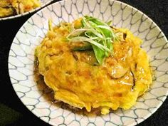 Recipes for Tom: Tenshinhan, shoyu-an / crab omelet on rice, with soy sauce-flavored sauce Japanese Omelet, Japanese Dishes, Japanese Recipes, Japanese Food, Omelette Recipe, Cauliflower Bites, Crab Meat, Fluffy Eggs