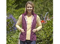 The new Toggi Ashbury gilet is ideal for riders who prefer a longer style and features a peached outer fabric for a cosy feel. #Toggi #gilet #horseriding #fashion