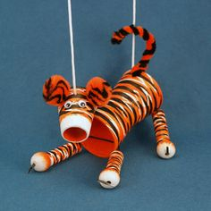 Tiger Crafts For Kids Craft Projects For Kids, Animal Projects, Art Projects, Diy Arts And Crafts, Cute Crafts, Diy Crafts, Ara Bleu, Tiger Crafts, Puppets For Kids