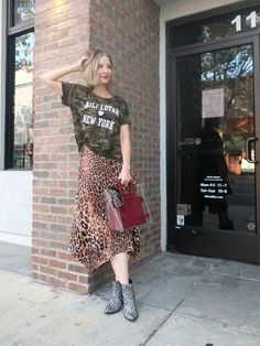 #camo #leopard and #snake, #OOTD #styleover40 #printmixing #snakebooties # NiliLotan #StaudShirley #funkyover40 #edgyover40 Fashion Prints, Boho Fashion, Fashion Ideas, Camo Tee Shirts, Plaid And Leopard, Animal Print Outfits, Cute Graphic Tees, Pattern Mixing, Chic Outfits