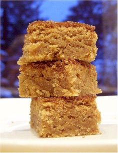 Snickerdoodle Blondies - I didn't make these vegan, but they are vegetarian :) And I'll be damned if this isn't one of the best desserts I've made in a while! Vegan Sweets, Vegan Desserts, Delicious Desserts, Yummy Food, Brownies, Cookie Recipes, Dessert Recipes, Dairy Free Cookies, Caramel