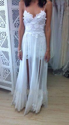 Stunning Vintage Boho White Beach Low Back Wedding Dresses Gowns Chiffon Dreamy Spaghtti Straps Slit