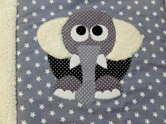 Handmade Babydecke/Krabbeldecke Pauline Sternenklar mit kuschligem Teddyplüsch, individualisierbar mit Namen und Wunschmotiv. In weiteren Farben erhältlich auf www.ztoff.de
