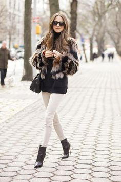 Arielle of Something Navy keeping warm in a neutral palette #streetstyle #denim