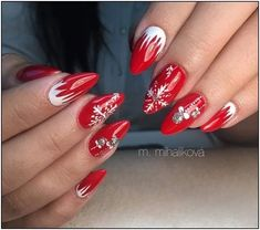 130 festive and easy christmas nail art designs you must try page 11 Xmas Nails, New Year's Nails, Holiday Nails, Christmas Nails, Cute Nails, Pretty Nails, Christmas Nail Art Designs, Gorgeous Nails, Winter Nails