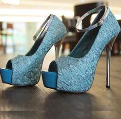 74 Beste Queenofsoleshoepassion  images on Pinterest   Ankle stivali