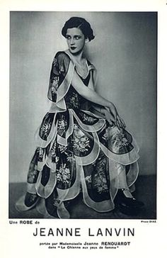 Jeanne Lanvin 1928 Evening Gown Model Jane Renouardt Luigi Diaz 20s 30s evening gown unique design flutter floral petal scalloped silk white black