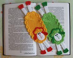 054 Sheep Bookmark or decor Amigurumi by LittleOwlsHut $ 2,45 ✿⊱╮Teresa Restegui http://www.pinterest.com/teretegui/✿⊱╮