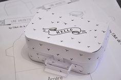 #DIY Une petite valise en papier ! J'adore !!! Pour cacher des petits cadeaux à Noel... :)
